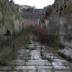 amphitheatre-entrance_sm1